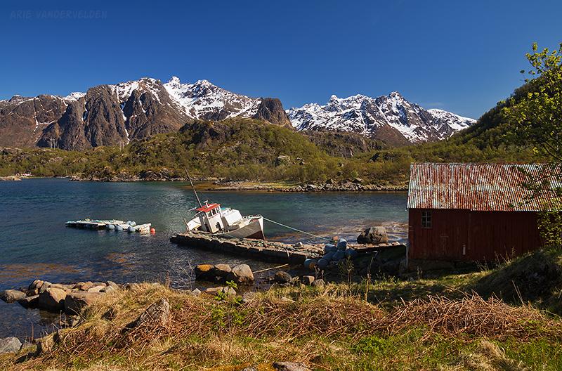 Leaky boat, Fiskebøl.