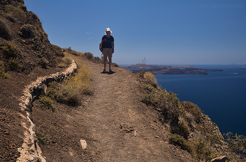 On the trail to Oia.