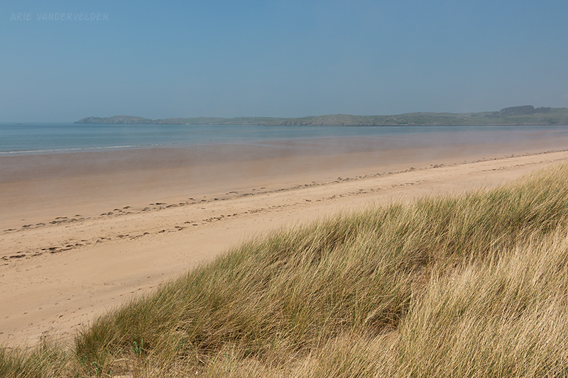 Penrhos Beach is several hundred meters wide at low tide.