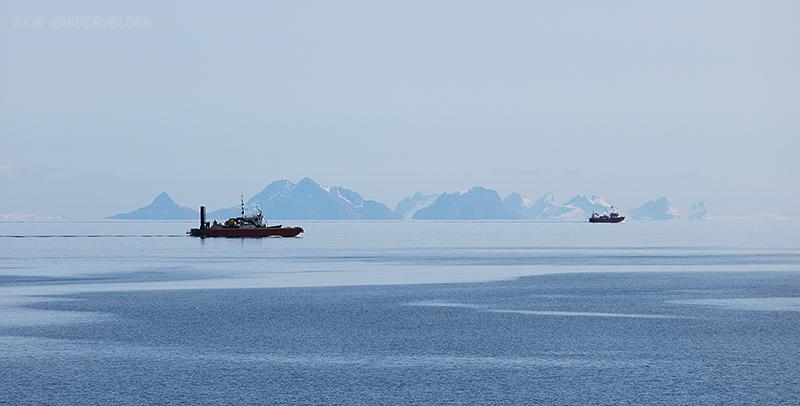 Ships, Lofoten.